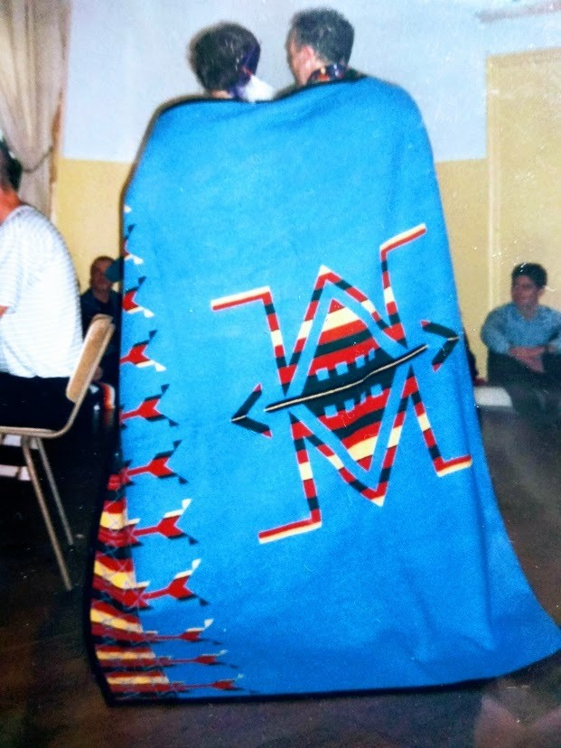 Wrapping in the Blanket ceremony, Sabine Obermayr en Mike Adamzek, Rotterdam 2002
